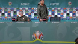 Cristiano-Ronaldo-replaces-UEFA-sponsor-drink-with-water._Full-HD-1623845312-1080489246 thumbnail
